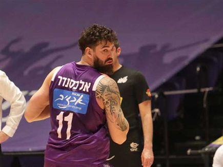 ג'ו אלכסנדר חזר לסגל והוליך את נהריה לניצחון דרמטי (מנהלת הליגה לכ (צילום: ספורט 5)