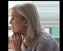 אישה מבוגרת בדיכאון (צילום: fizkes, Shutterstock)