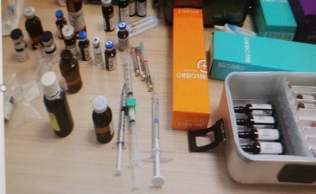 חומרים וציוד שנתפסו במרפאה של אורן כחולי (צילום: דוברות משרד הבריאות)