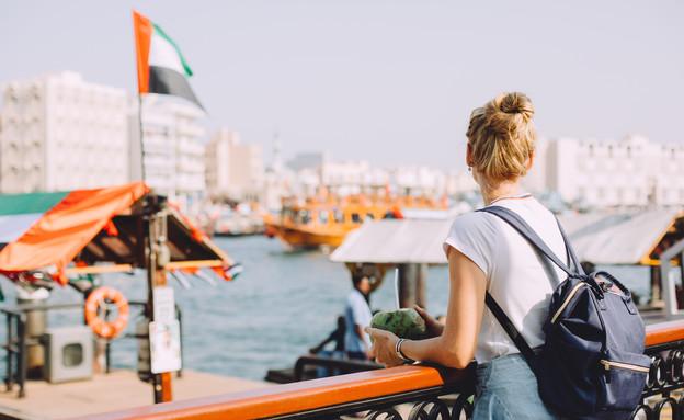 תיירת בדובאי (צילום: Tanya Yatsenko, shutterstock)
