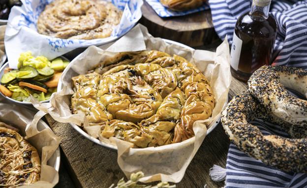 מאפה בשר יווני בגרקו (צילום: גל קלדרון, יחצ)