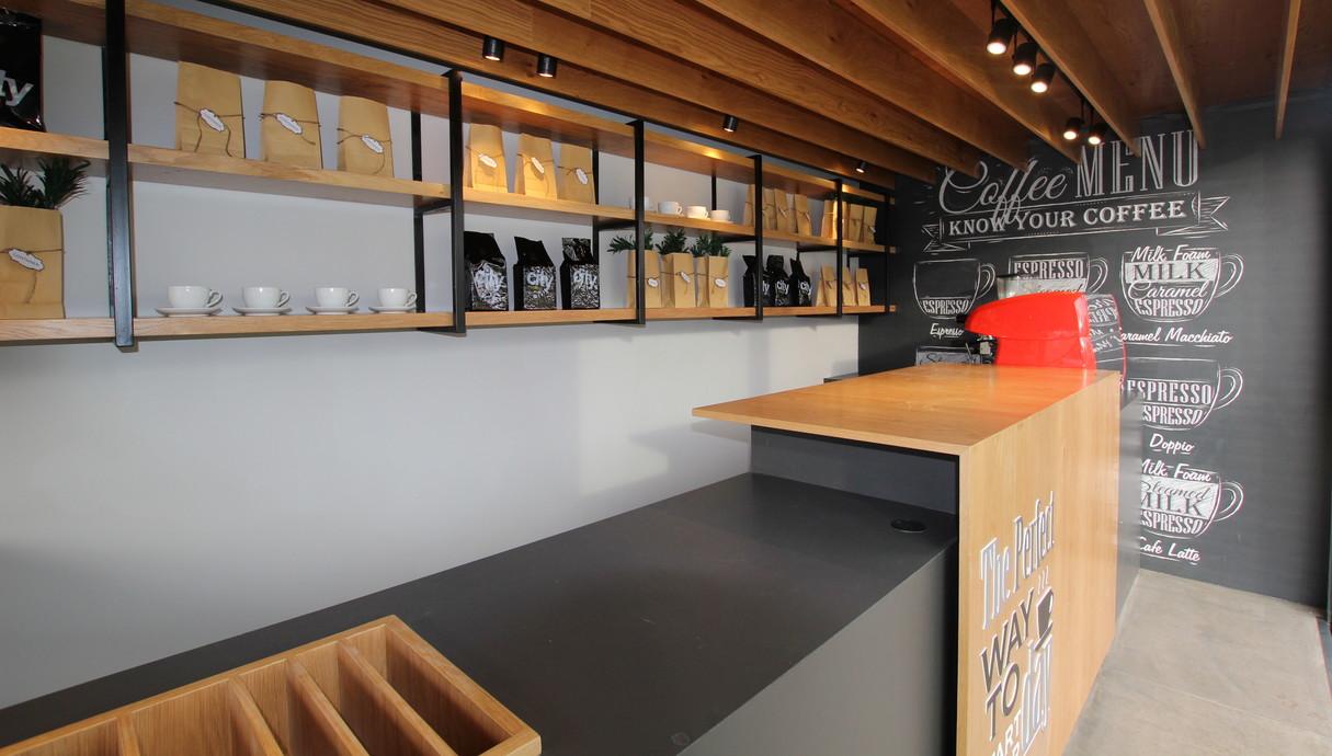 ליאת אליאב, בית קפה הקונטיינר - 2