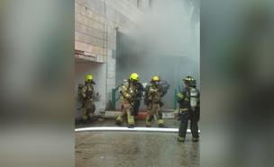 שריפה בחדרה  (צילום: שרון אג'ג')