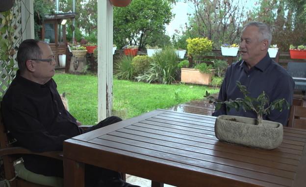 בני גנץ בראיון לאולפן שישי (צילום: החדשות 12)