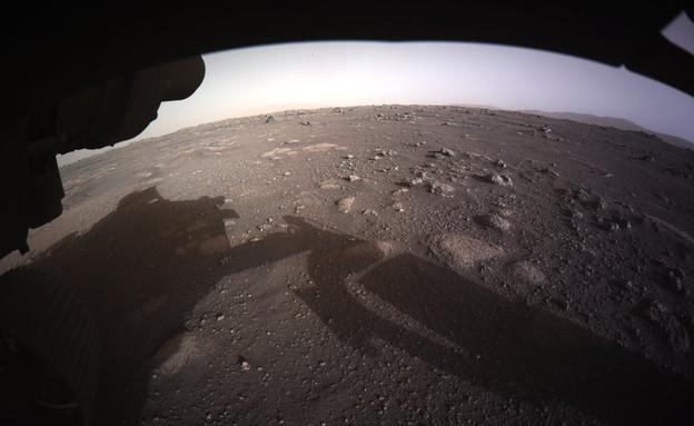 """נחיתת """"התמדה"""" על מאדים (צילום: AP)"""