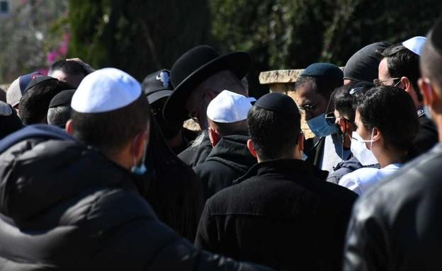 אייל גולן בהלוויה של דני ביטון (צילום: אביב חופי, פרטי)