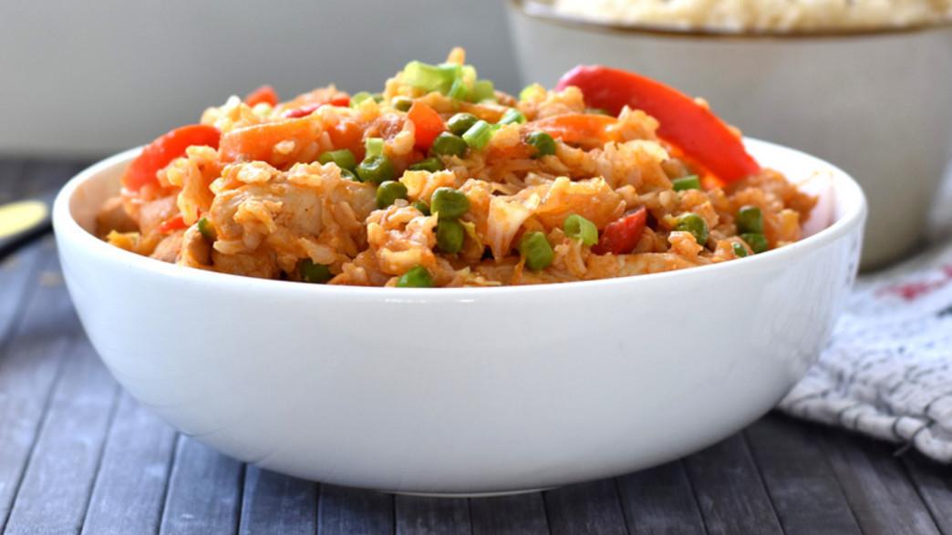 ארוחה בסיר: אורז מלא עם עוף וירקות (צילום: דפני פתיחה)