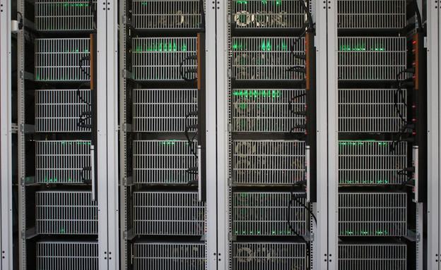 מחשבים במפעל כריית הביטקוין של החברה האמריקנית ביטפורי, איסלנד (צילום: רויטרס)