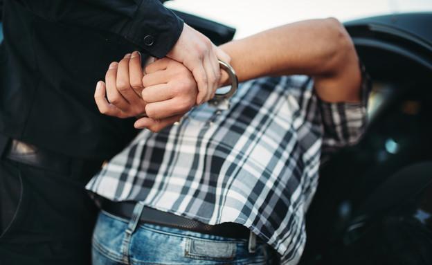 אדם נעצר (צילום: Nomad_Soul, shutterstock)
