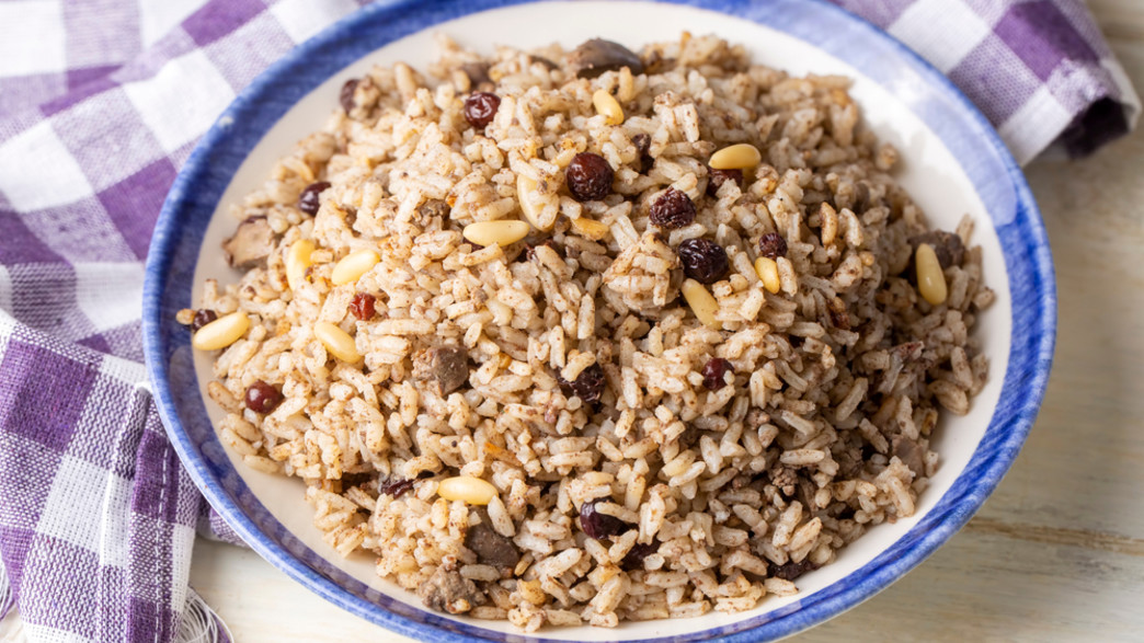 אורז עם צנוברים (צילום: Esin Deniz, shutterstock)