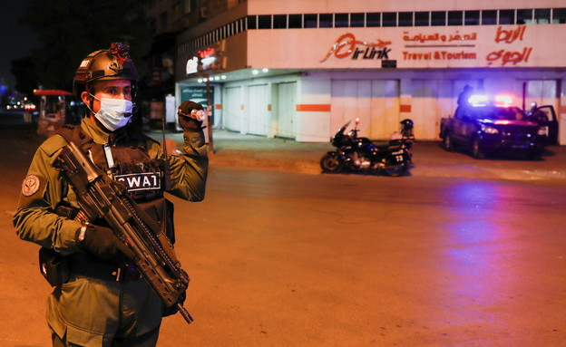 אכיפת סגר למניעת התפשטות מגפת קורונה בבגדאד (צילום: רויטרס)