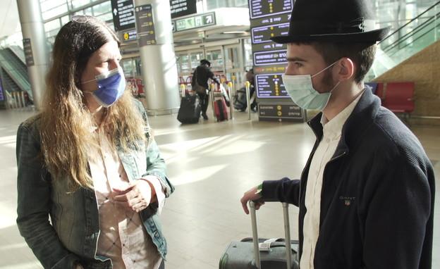 שערורית האישורים לבאים לארץ (צילום: N12)