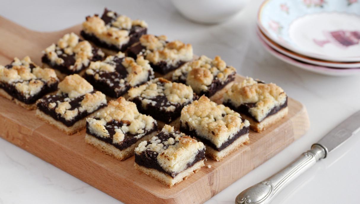 חיתוכיות שוקולד ופירורים (צילום: נטלי לוין, אוכל טוב)
