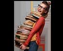 1 - אישה עם ספרים (צילום: shutterstock By debasige)