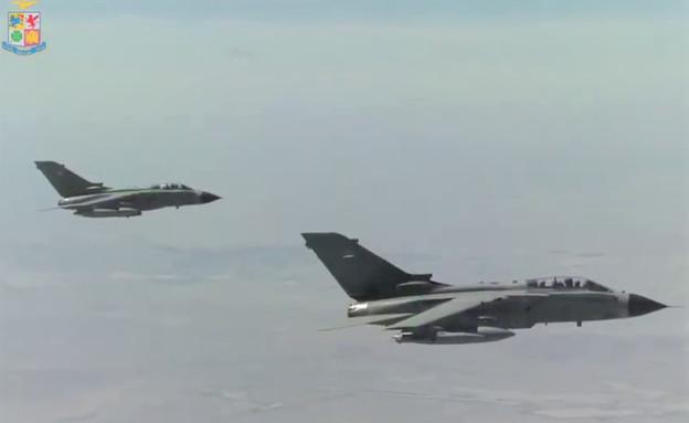 החיל בפעולה (צילום: Aeronautica Militare, YouTube)