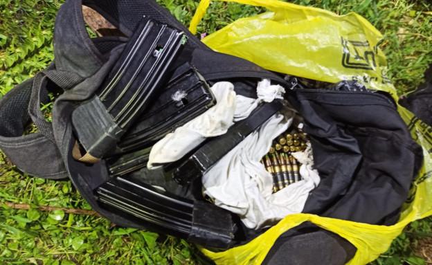 תחמושת שנחטפה מחייל בצפון (צילום: דוברות המשטרה)