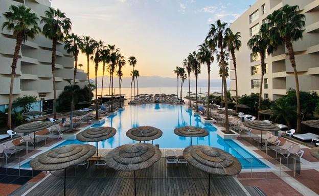תמונת זריחה אילת מלון אריאה (צילום: מירב טלמור-קשי)