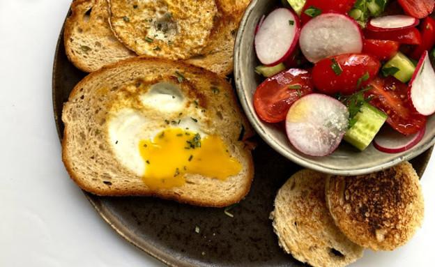 ביצה בקן (צילום: רון יוחננוב, אוכל טוב)