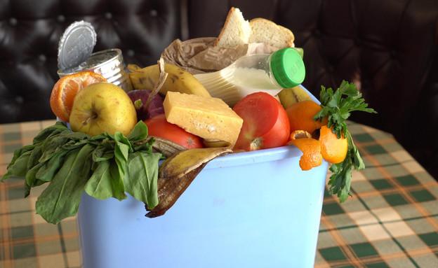בזבוז מזון, אוכל בפח (צילום:  Fevziie, shutterstock)