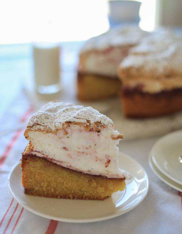עוגת פולנטה שקדים גבוהה לפסח