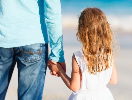 גבר מהדרום גילה דרך הפייסבוק שיש לו בת מאישה איתה ניהל רומן קצר