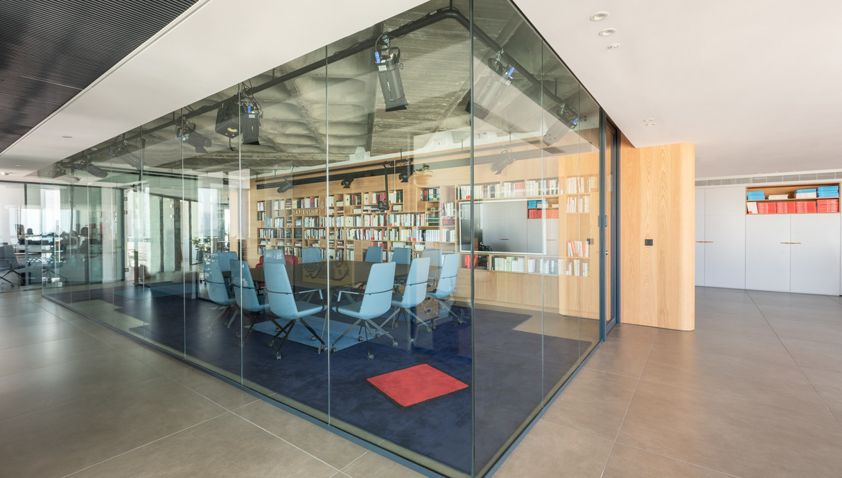המשרד של יובל נח הררי - 10