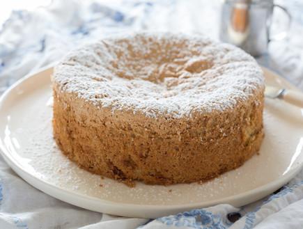 עוגת קוקוס, פיסטוק ושוקולד לבן שלמה