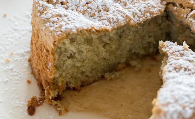 עוגת קוקוס, פיסטוק ושוקולד לבן לפסח (צילום: קרן אגם, אוכל טוב)