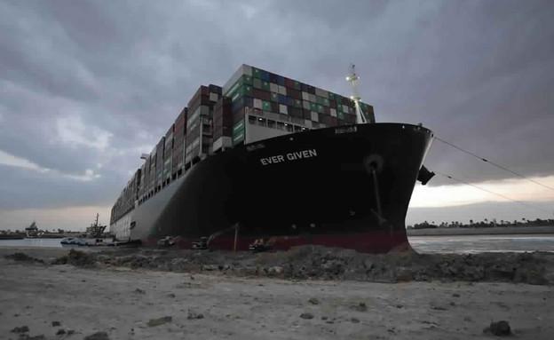 תעלת סואץ, איבן גרין, ספינה (צילום: AP)