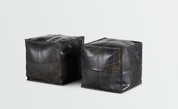 חפצים בקורונה, פוף מפנימית של צמיג של המעצבת אילנית נאוטרה, בתערוכ (צילום: עדי גלעד)