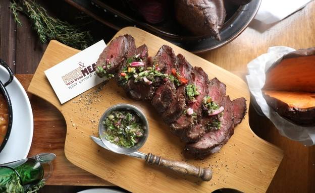 סטייק בשר במסעדת Meat & Meet (צילום: מיטל סולומון, יחצ)