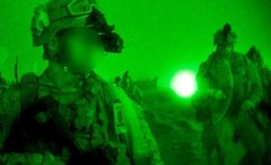 אמצעי ראיית לילה בשימוש מבצעי (צילום: Cpl. Alejandro Pena\U.S. Marines)