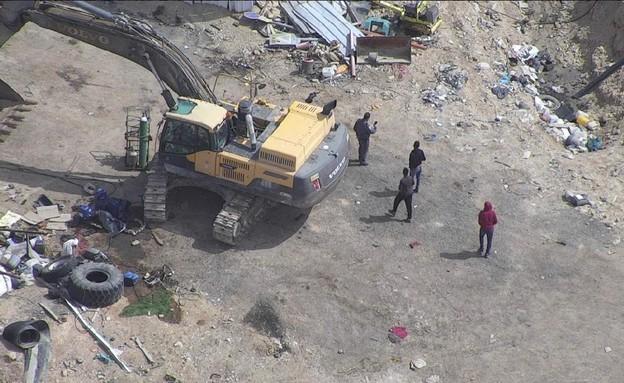 מטמנת זבל בלתי חוקית בדרום (צילום: משטרת ישראל)