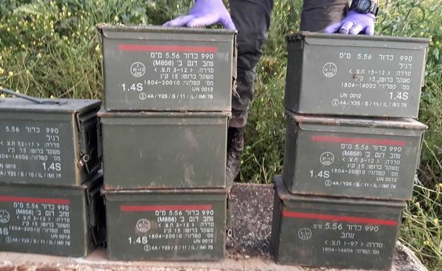 """תחמושת, מצה""""ל, ונתפסה, בטובא זנגרייה (צילום: דוברות המשטרה)"""