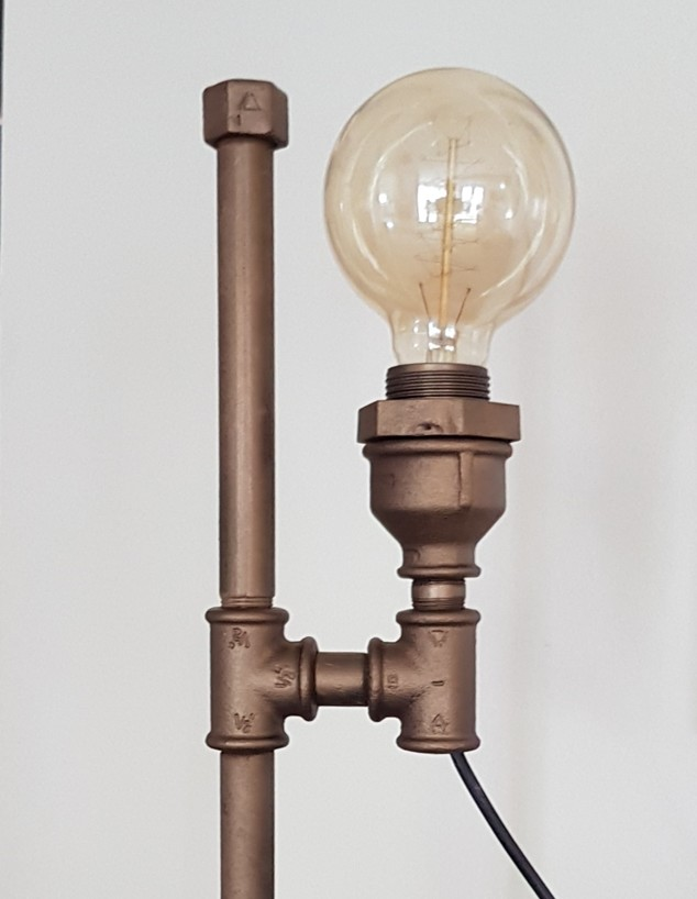 איתמר אבידב, ג, מנורה מצינורות - 2 (צילום: איתמר אבידב)