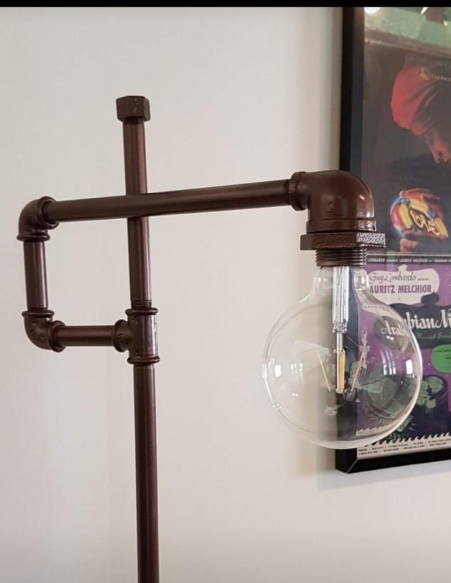 איתמר אבידב, ג, מנורה מצינורות (צילום: איתמר אבידב)