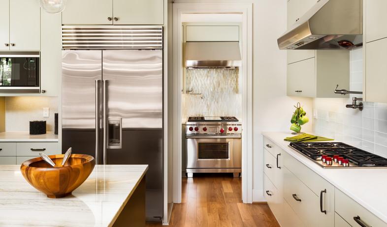מטבח, מקרר (צילום:  Breadmaker, Shutterstock)
