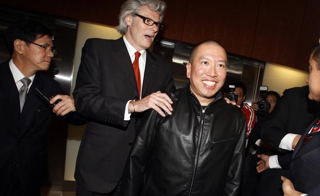 טוני צ'אן עם עורך דינו, 2010 (צילום: ap)