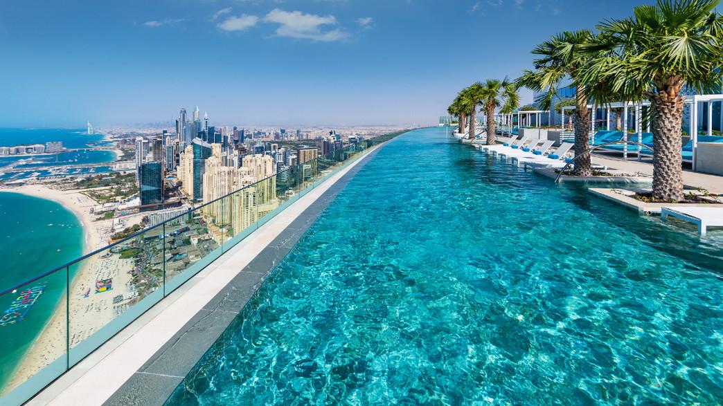 בריכה במלון בדובאי (צילום: צילום מסך)