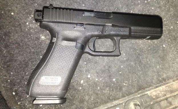 אקדח, קללאנסווה, קלנסווה, גוף, ילד (צילום: דוברות המשטרה)
