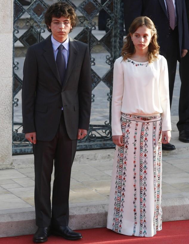 יורש העצר הירדני חוסיין עם אחותו אימן (צילום: ap)