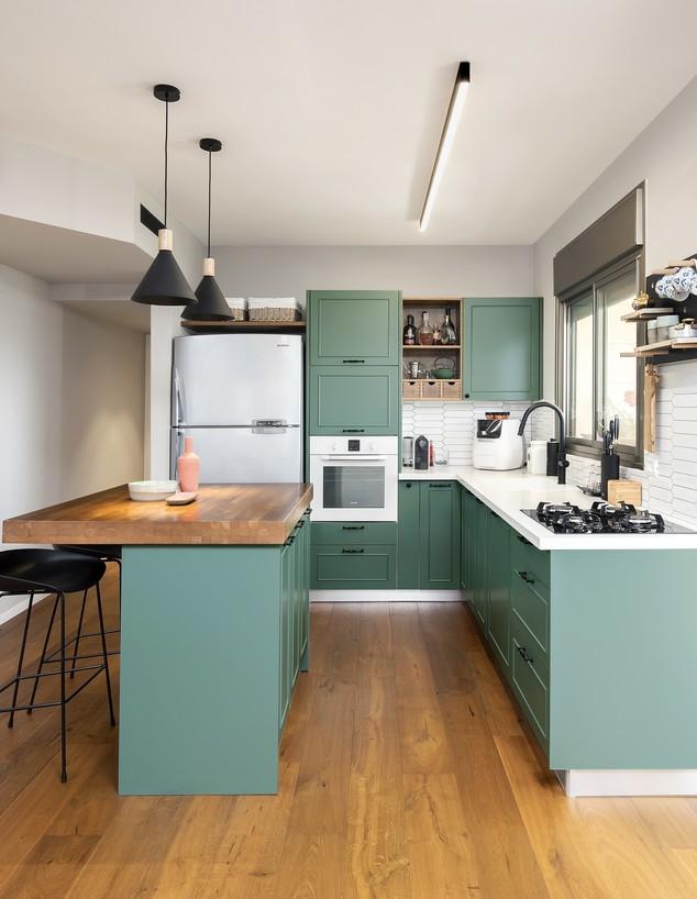 מטבח ירוק, ג, עיצוב מירב קצמן (צילום: מושי גיטליס)