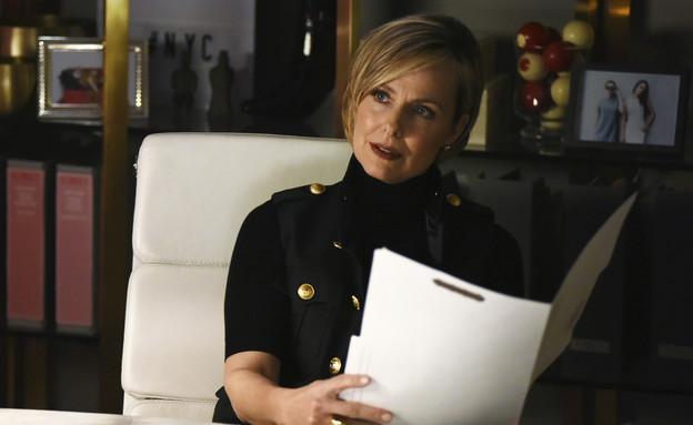 """ג'קלין קרלייל (מלורה הארדין), """"עושות כותרות"""" (צילום: יח""""צ, באדיבות yes)"""