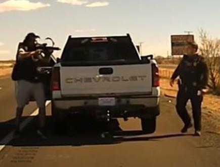 שוטר נורה למוות במהלך בדיקה שגרתית - והכל תועד במצלמות