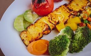 ירקות על הגריל - ערוץ הבריאות (צילום: sam-moqadam, unsplash)