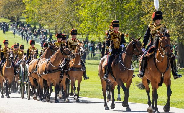 פרשים של חיל הארטליריה בחזרות אחרונות לקראת טקס האשכבה (צילום: רויטרס)
