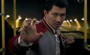 """מתוך """"שאנג צ'י ואגדת עשר הטבעות"""" (צילום: Walt Disney Studios Motion Pictures, צילום מסך)"""
