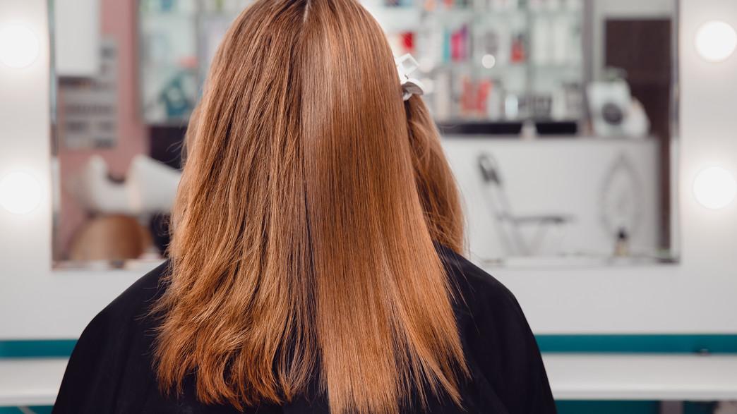החלקת שיער ערוץ הבריאות (צילום: Parilov, Shutterstock)