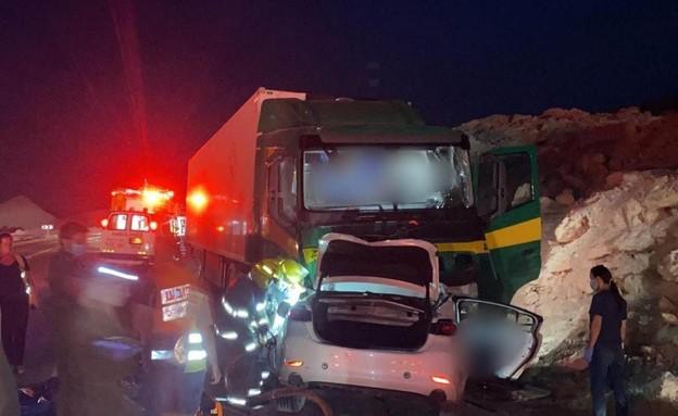 """תאונה בכביש 90 (צילום: דוברות מד""""א )"""
