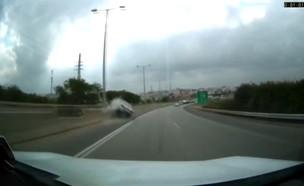 תאונת דרכים קשה ליד טייבה (צילום: amar assadi)